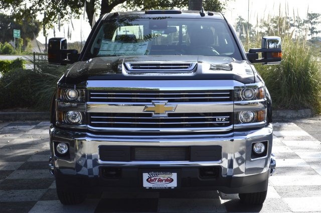2018 Silverado 3500 Crew Cab 4x4, Pickup #T1167 - photo 4