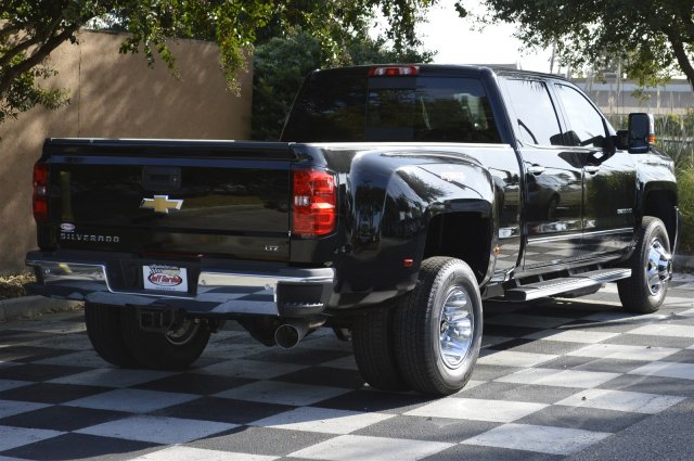 2018 Silverado 3500 Crew Cab 4x4, Pickup #T1167 - photo 2