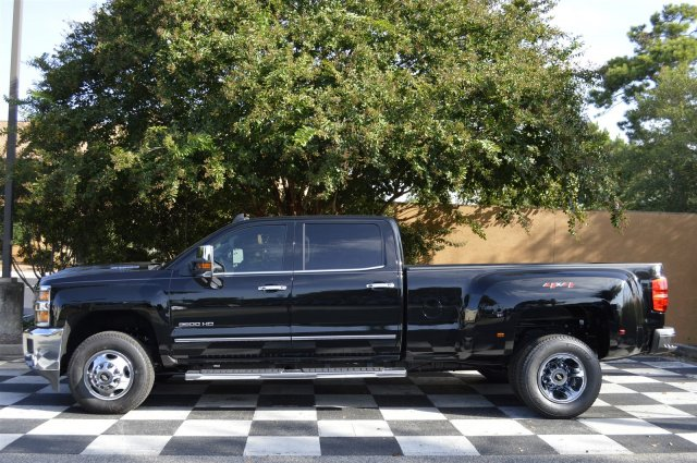 2018 Silverado 3500 Crew Cab 4x4, Pickup #T1167 - photo 7