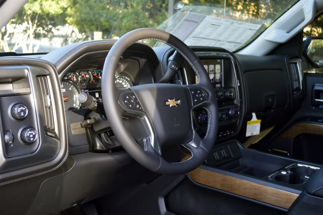 2018 Silverado 1500 Crew Cab 4x4 Pickup #T1256 - photo 10