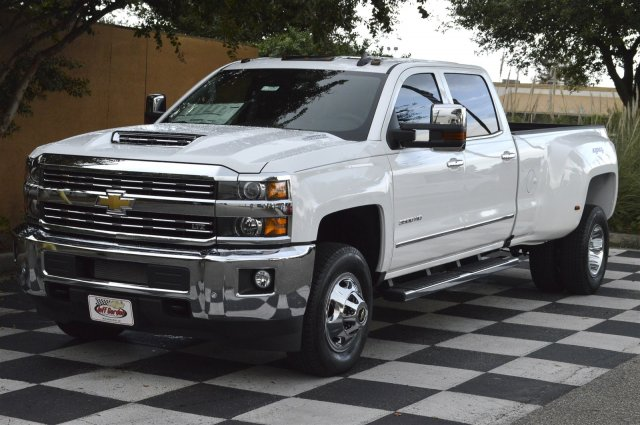 2018 Silverado 3500 Crew Cab 4x4, Pickup #T1257 - photo 3