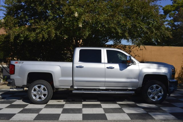 2018 Silverado 2500 Crew Cab 4x4 Pickup #T1287 - photo 8