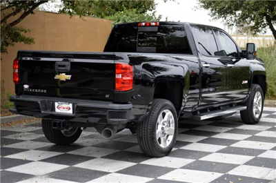 2018 Silverado 2500 Crew Cab 4x4 Pickup #T1324 - photo 2