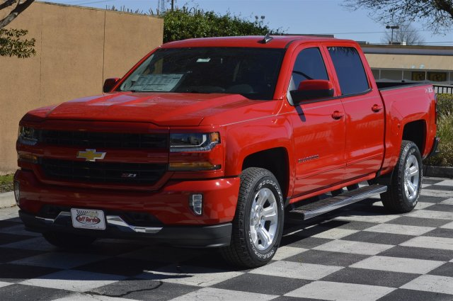 2018 Silverado 1500 Crew Cab 4x4, Pickup #T1686 - photo 3
