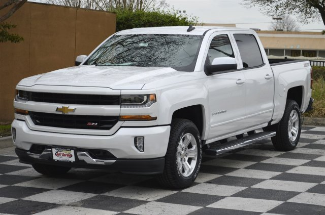 2018 Silverado 1500 Crew Cab 4x4, Pickup #T1688 - photo 3
