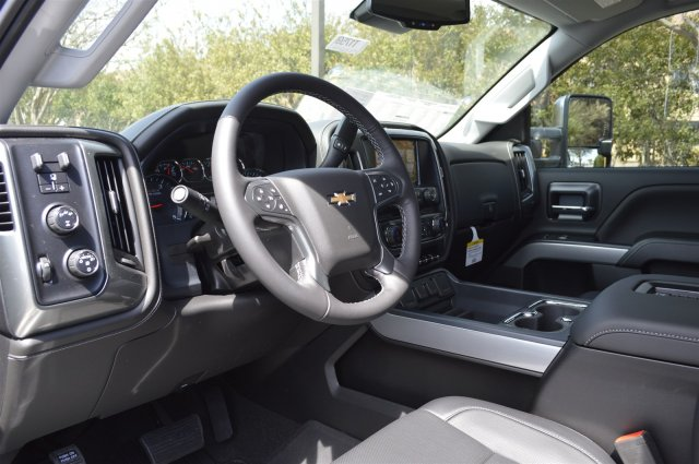 2018 Silverado 2500 Crew Cab 4x4, Pickup #T1759 - photo 10