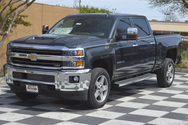 2018 Silverado 2500 Crew Cab 4x4, Pickup #T1759 - photo 3