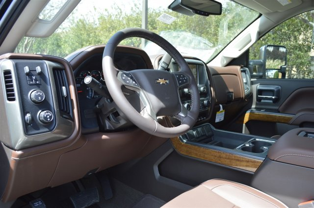 2018 Silverado 2500 Crew Cab 4x4, Pickup #T1764 - photo 10