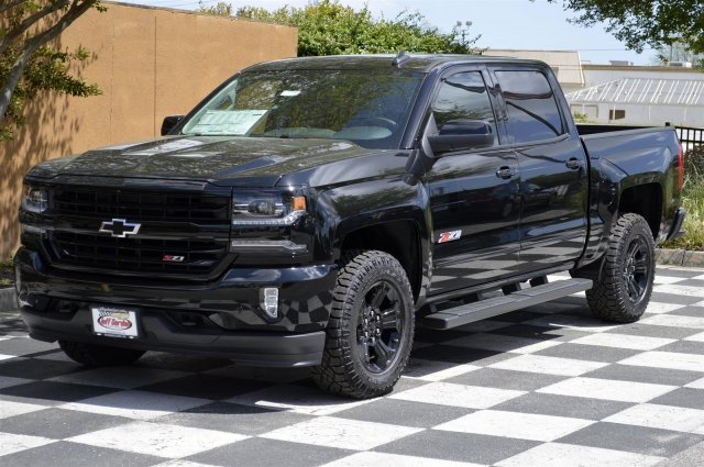 2018 Silverado 1500 Crew Cab 4x4, Pickup #T1793 - photo 3