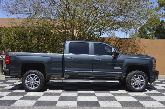 2018 Silverado 2500 Crew Cab 4x4, Pickup #T1828 - photo 8