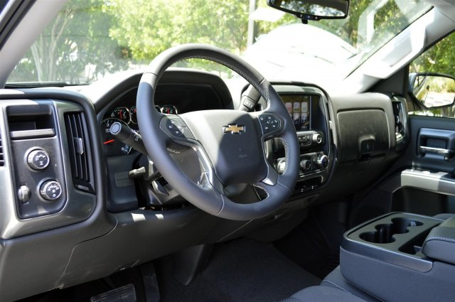 2018 Silverado 1500 Crew Cab 4x4, Pickup #T2099 - photo 10
