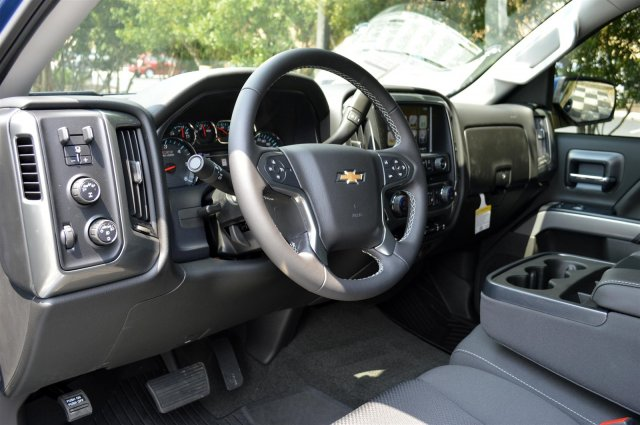 2018 Silverado 1500 Crew Cab 4x4,  Pickup #T2416 - photo 10