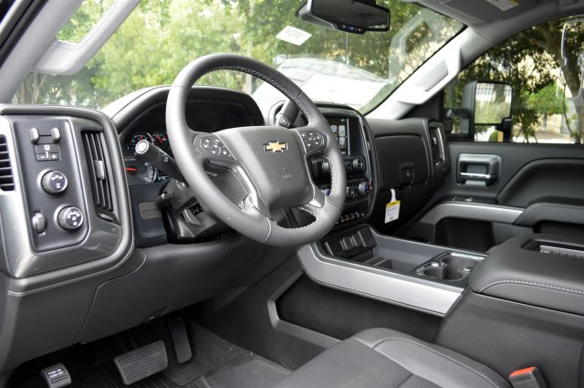 2019 Silverado 2500 Crew Cab 4x4,  Pickup #U1024 - photo 10