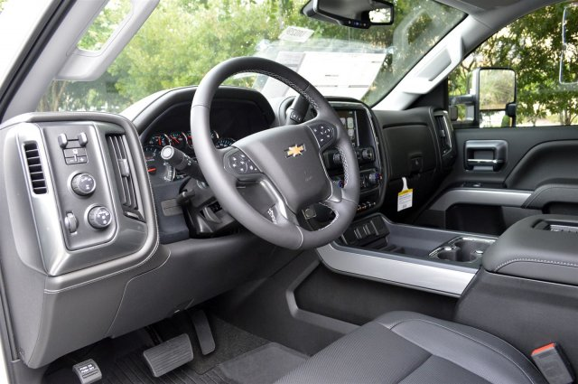 2019 Silverado 2500 Crew Cab 4x4,  Pickup #U1029 - photo 10