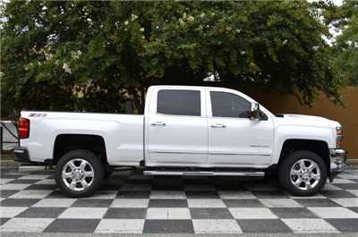 2019 Silverado 2500 Crew Cab 4x4,  Pickup #U1048 - photo 8