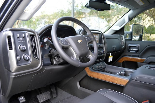 2019 Silverado 2500 Crew Cab 4x4,  Pickup #U1608 - photo 10