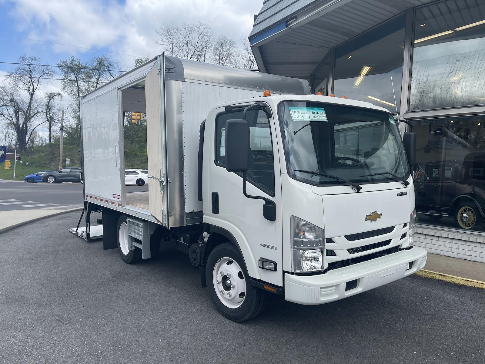 2020 Chevrolet LCF 4500 Regular Cab DRW 4x2, Morgan Dry Freight #205876 - photo 1