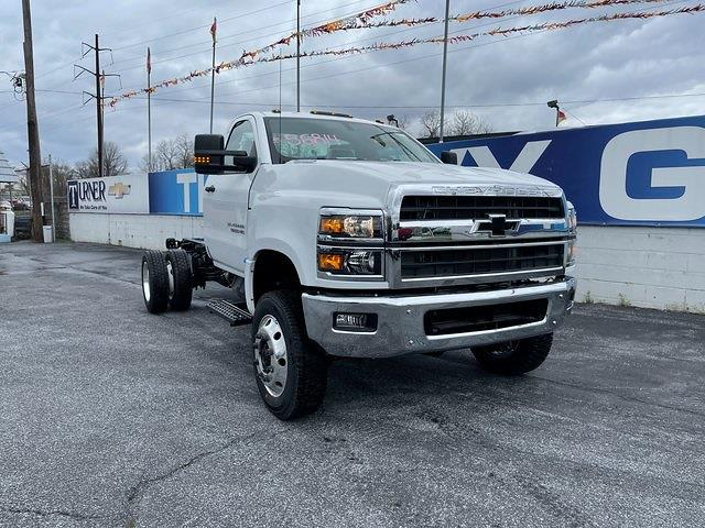 2020 Chevrolet Silverado 4500 Regular Cab DRW 4x4, Cab Chassis #205960 - photo 1
