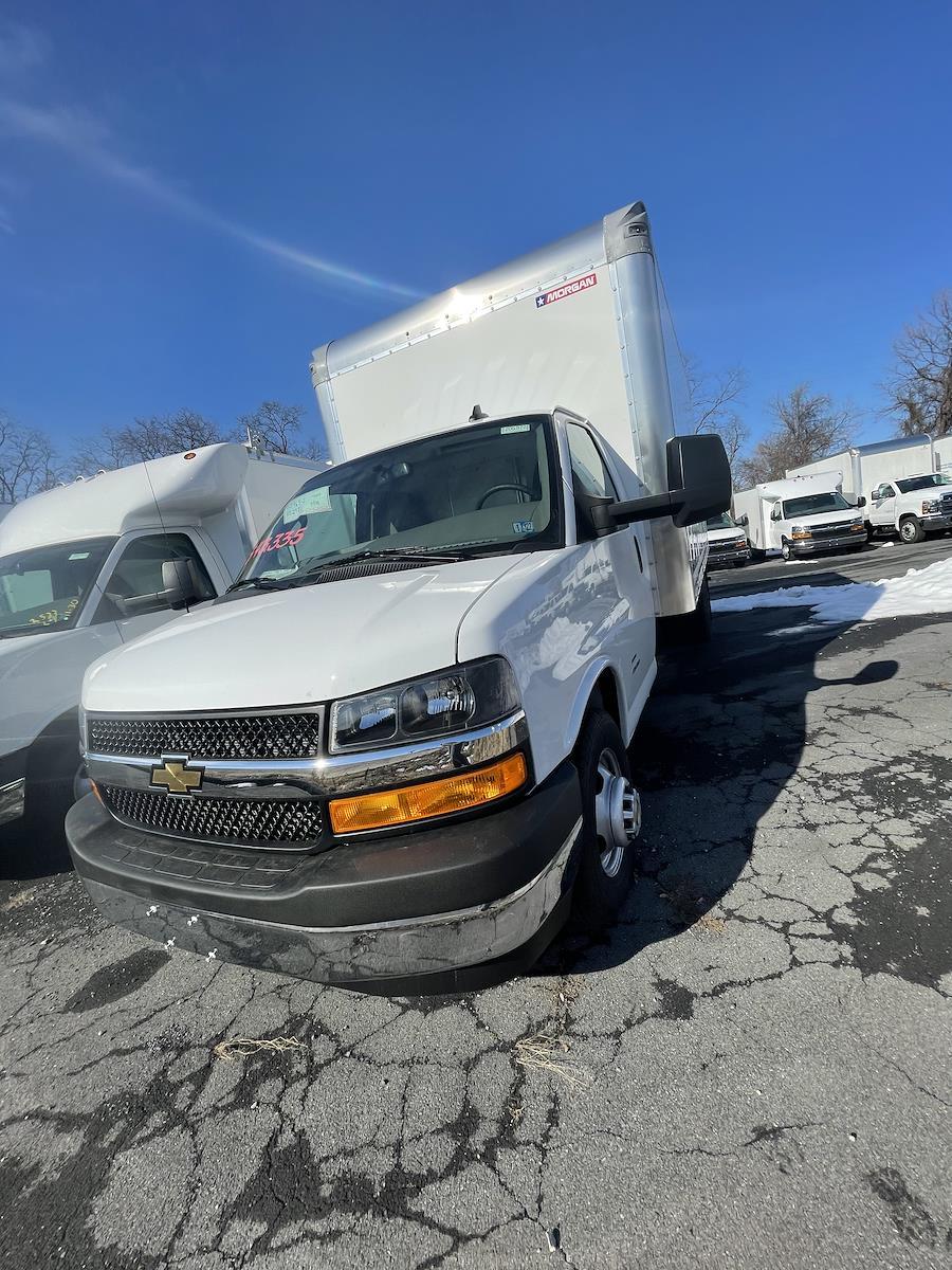 2020 Chevrolet Express 4500 DRW 4x2, Morgan Cutaway Van #205972 - photo 1