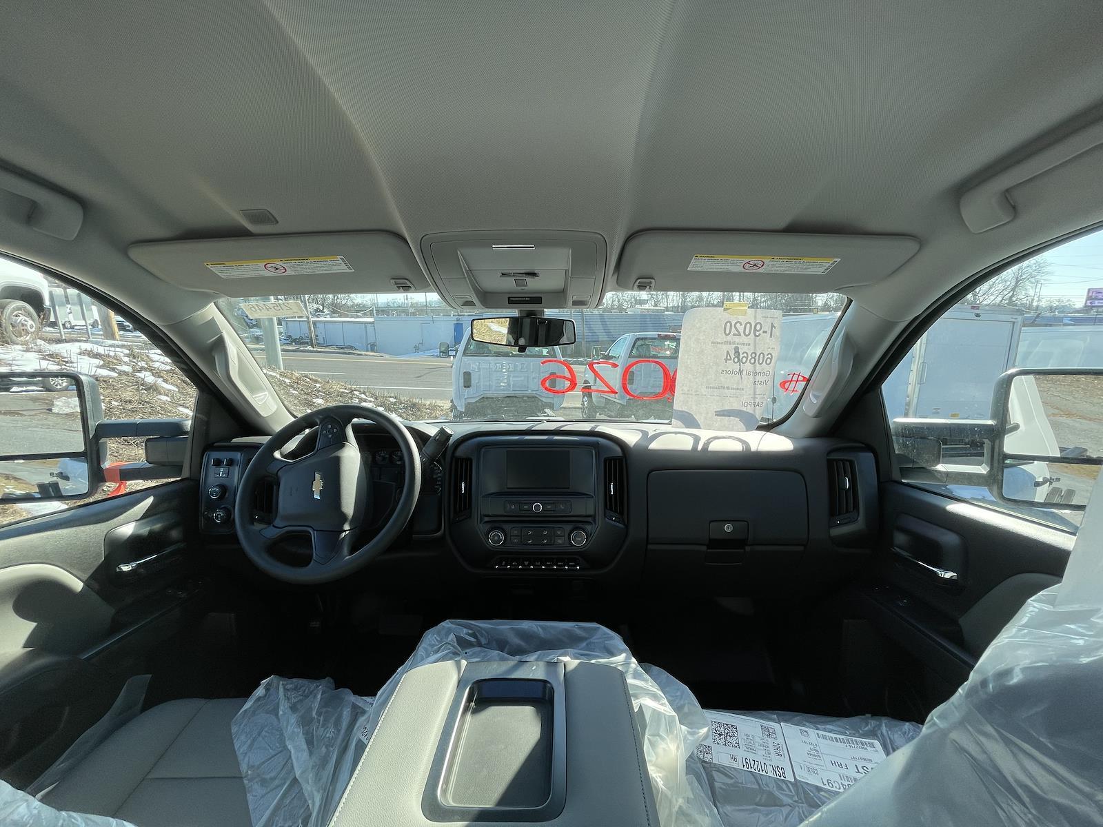 2021 Chevrolet Silverado 4500 Regular Cab DRW 4x4, Cab Chassis #215446 - photo 3