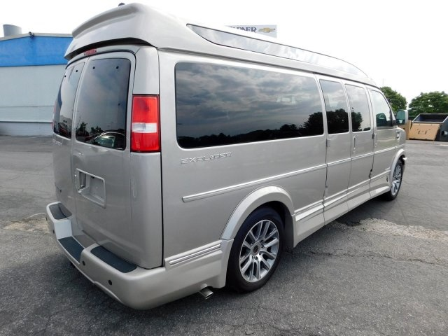 2019 Chevrolet Express 2500 4x2, Passenger Wagon #95543 - photo 1