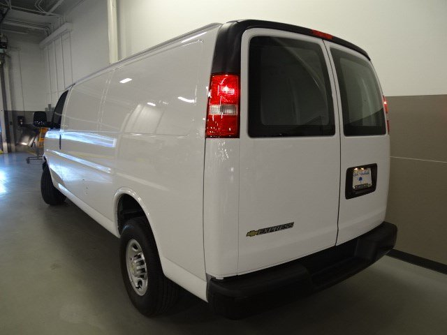 2017 Express 3500 Cargo Van #170252 - photo 4