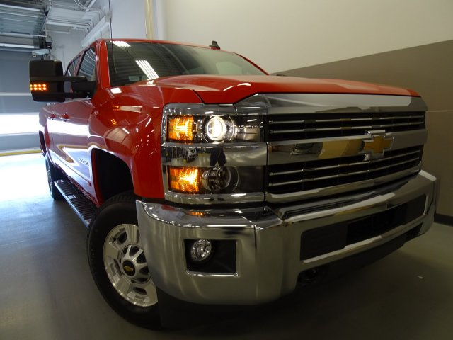 2017 Silverado 2500 Crew Cab 4x4, Pickup #170349 - photo 3