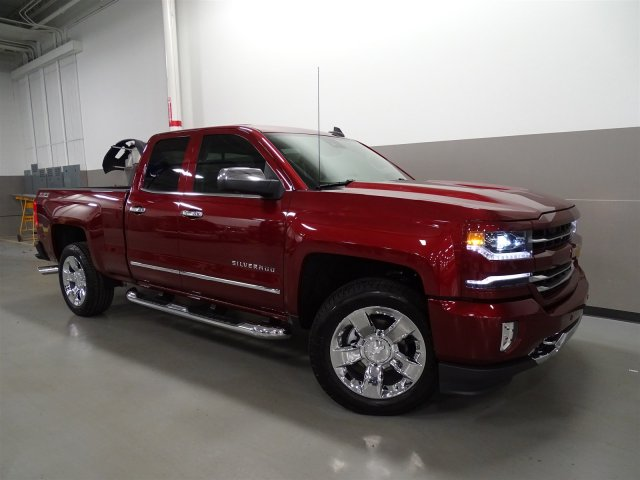 2017 Silverado 1500 Double Cab 4x4, Pickup #170461 - photo 9