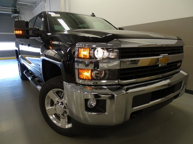 2017 Silverado 2500 Crew Cab 4x4, Pickup #170474 - photo 3