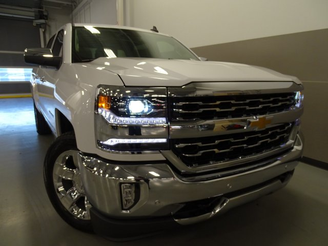 2017 Silverado 1500 Crew Cab, Pickup #170556 - photo 3