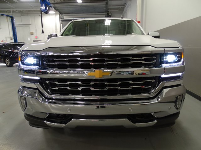 2017 Silverado 1500 Crew Cab, Pickup #170556 - photo 4