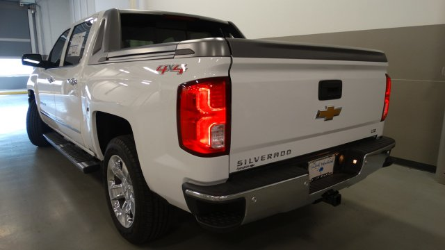 2017 Silverado 1500 Crew Cab 4x4, Pickup #170660 - photo 4