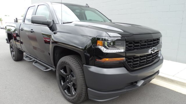 2017 Silverado 3500 Crew Cab 4x4, Pickup #170725 - photo 4
