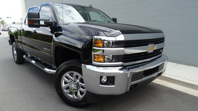 2017 Silverado 2500 Crew Cab 4x4, Pickup #170969 - photo 3