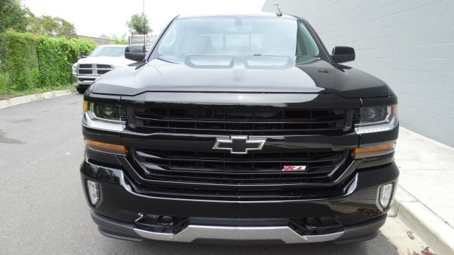 2018 Silverado 1500 Crew Cab 4x4 Pickup #180067 - photo 3