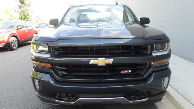 2018 Silverado 1500 Crew Cab 4x4, Pickup #180074 - photo 3