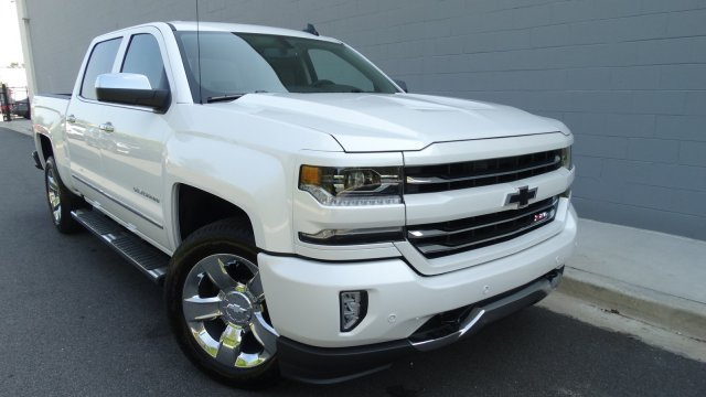 2018 Silverado 1500 Crew Cab 4x4 Pickup #180075 - photo 3