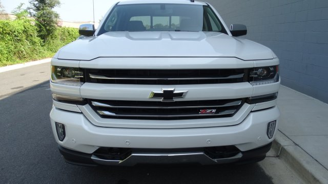 2018 Silverado 1500 Crew Cab 4x4 Pickup #180075 - photo 4