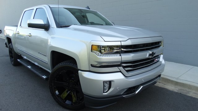 2018 Silverado 1500 Crew Cab 4x4, Pickup #180086 - photo 3