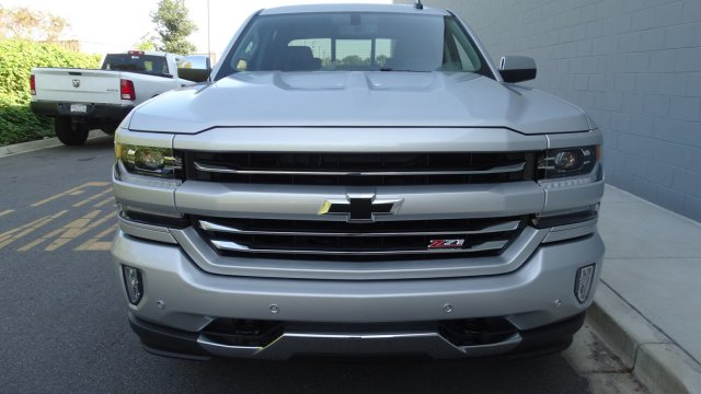 2018 Silverado 1500 Crew Cab 4x4 Pickup #180086 - photo 4