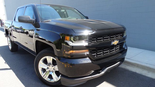 2018 Silverado 1500 Crew Cab Pickup #180087 - photo 3