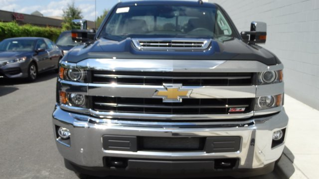 2018 Silverado 2500 Crew Cab 4x4, Pickup #180091 - photo 3
