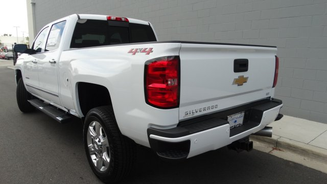 2018 Silverado 2500 Crew Cab 4x4 Pickup #180129 - photo 5