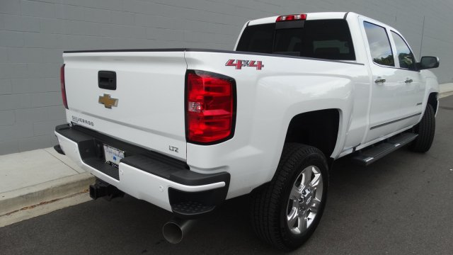 2018 Silverado 2500 Crew Cab 4x4 Pickup #180129 - photo 2