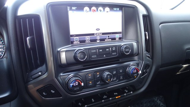 2018 Silverado 1500 Crew Cab 4x4 Pickup #180133 - photo 24