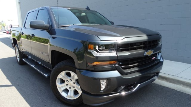2018 Silverado 1500 Crew Cab 4x4 Pickup #180133 - photo 3