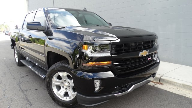 2018 Silverado 1500 Crew Cab 4x4 Pickup #180149 - photo 3