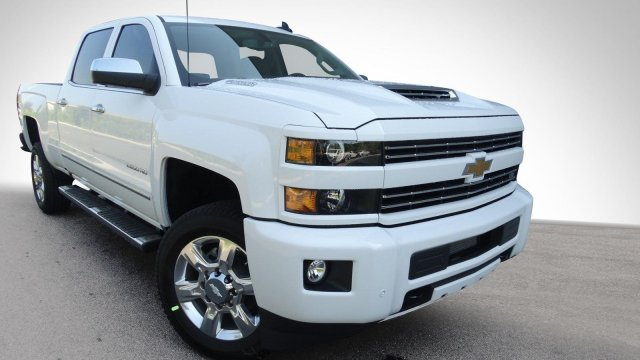 2018 Silverado 2500 Crew Cab, Pickup #180158 - photo 3