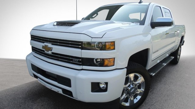 2018 Silverado 2500 Crew Cab, Pickup #180158 - photo 5