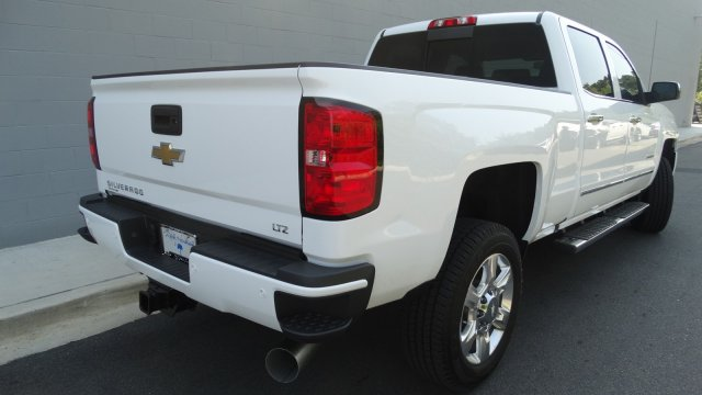 2018 Silverado 2500 Crew Cab Pickup #180158 - photo 2